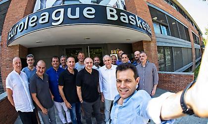 Έβγαλε… σέλφι με τους προπονητές της Ευρωλίγκας ο Ιτούδης (pic)