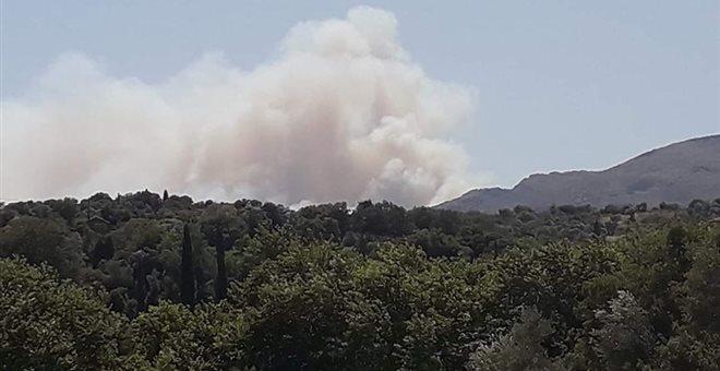 Αλιβέρι: Προληπτική εκκένωση κατοικιών το Μακρυχώρι