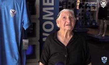 94χρονη γιαγιά αγόρασε διαρκείας της Ανόρθωσης και τα χάρισε σε άπορα παιδιά (video)