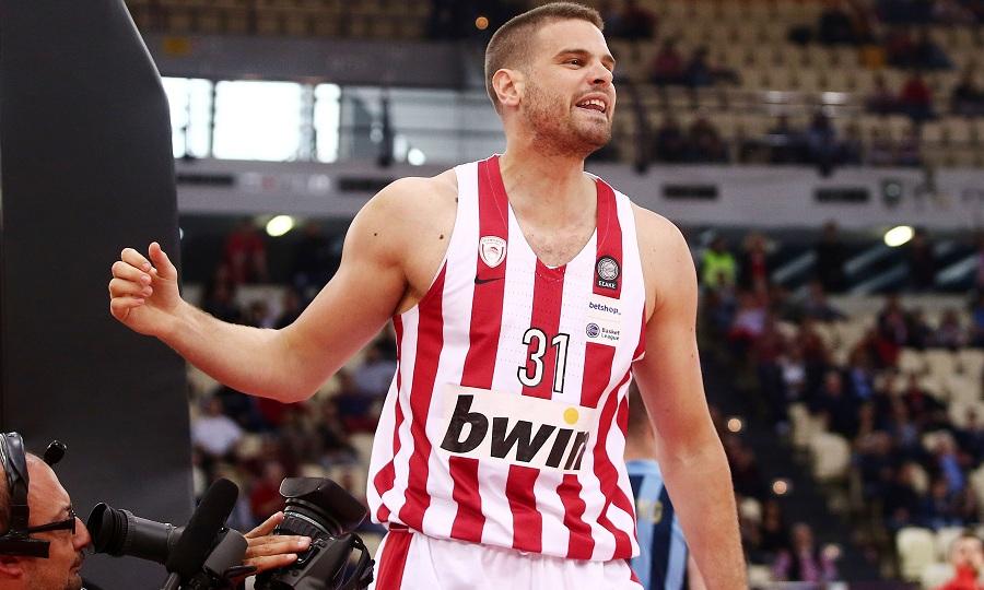 Μπόγρης στον ΣΠΟΡ FM: «Καμία κακία για Ολυμπιακό – Παιδικό όνειρο να παίξω σε αυτή την ομάδα»
