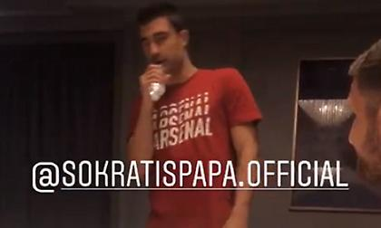 Ο Παπασταθόπουλος τραγουδάει Αργυρό και ο Ομπαμεγιάνγκ… λύνεται στα γέλια (video)