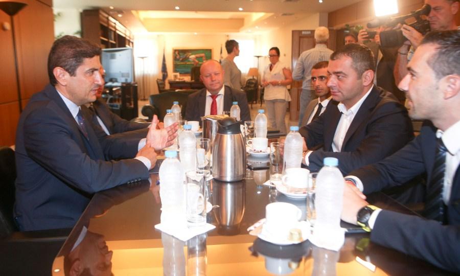 Βία, στημένα και… Παγκρήτιο στο τραπέζι της συνάντησης Αυγενάκη-UEFA
