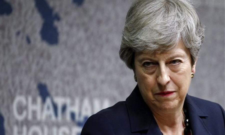 Μέι: Ανησυχώ για την κατάσταση της πολιτικής στη Βρετανία και διεθνώς