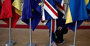OBR: Ύφεση και μαύρη τρύπα στη οικονομία θα επιφέρει το no deal στο Brexit