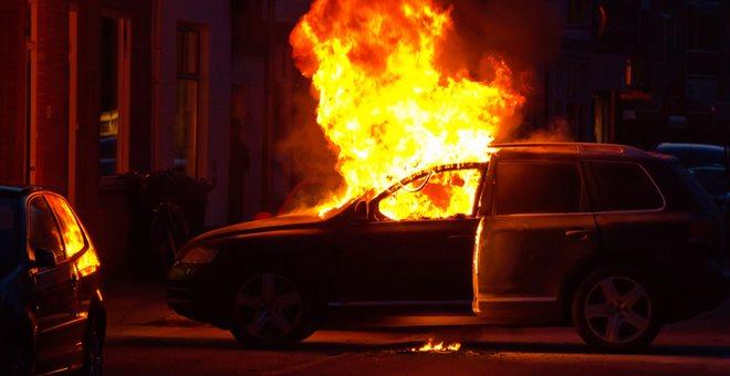 Τέσσερις πυρκαγιές σε αυτοκίνητα κατά την διάρκεια της νύχτας