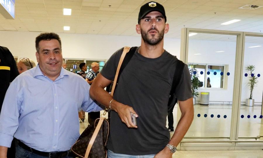 Έφτασε για την ΑΕΚ ο Ολιβέιρα! (video)