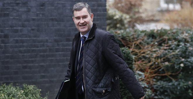 Βρετανία: Ο υπουργός Δικαιοσύνης Ντέιβιντ Γκοκ θα παραιτηθεί εντός εβδομάδας