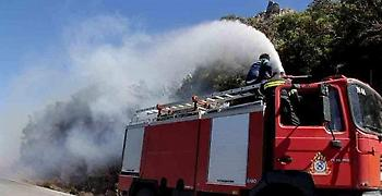 Φωτιά στον Κιθαιρώνα: Διάσπαρτες εστίες στα καμένα. Ενισχύθηκαν οι άνεμοι