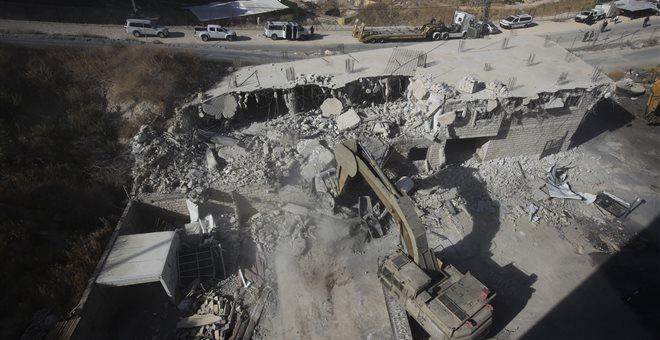 Το Ισραήλ κατεδαφίζει σπίτια Παλαιστινίων στη Δυτική Όχθη