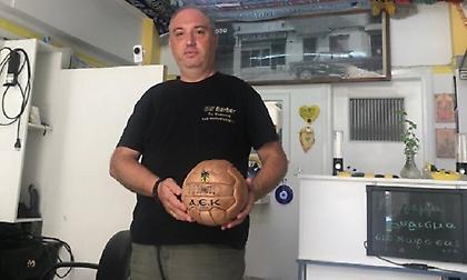 Ένα κουρείο-μουσείο του ποδοσφαίρου στην Νέα Ιωνία (pics)