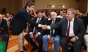 Αυγενάκης: «Σας διαβεβαιώσω πως θα γίνει ό,τι είναι δυνατόν για να λάβετε τα λεφτά από την ΕΡΤ»