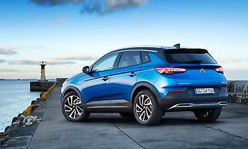 Opel Grandland X: Δυναμικό, άνετο και παντός καιρού