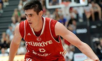 Ιλιασόβα στο sport-fm.gr: «Θα μας δυσκολέψει πολύ ο Γιάννης – Μπορούμε πεντάδα με την Τουρκία»