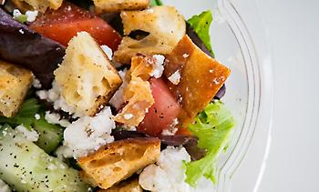 Γιατί θα πρέπει να αποφεύγετε τις συσκευασμένες σαλάτες;