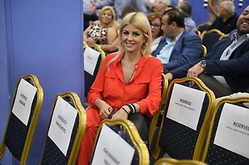 Η βουλευτής Έλενα Ράπτη παντρεύτηκε