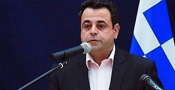Σαντορινιός: Ακατάλληλο το πλοίο που έστειλε η κυβέρνηση στη Σαμοθράκη