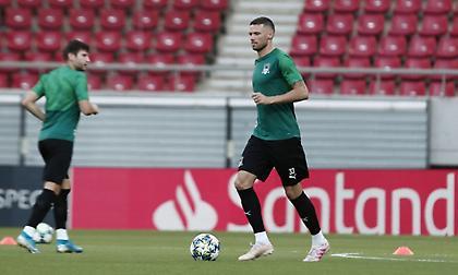 Μπεργκ: «Έχουμε εμπιστοσύνη στην ομάδα μας, είμαι έτοιμος να αγωνιστώ»
