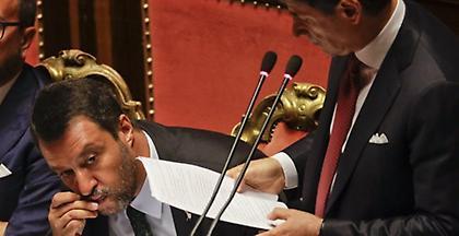Σε αναζήτηση κυβερνητικής λύσης άνευ Σαλβίνι η Ιταλία