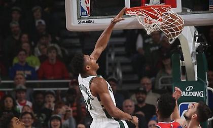 NBA: Οι τρεις κορυφαίες φάσεις του MVP Γιάννη! (video)