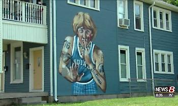 Αντέδρασε για το τατουάζ στο γκράφιτί του ο Λάρι Μπερντ (pic)
