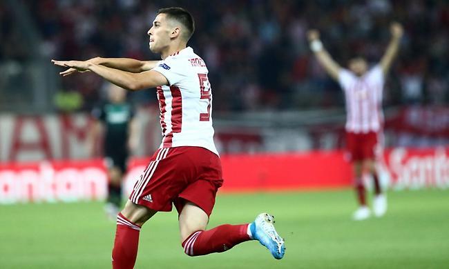 Ραντζέλοβιτς: «Χαρούμενος για τα γκολ μου, υπερήφανος για τον Ολυμπιακό»