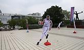 Το... ολόγραμμα του Αντετοκούνμπο και τα κλικ από την πρώτη της Εθνικής στην Κίνα (pics)