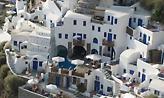 Σπίτια στις Κυκλάδες: Αυτός είναι ο λόγος που έχουν άσπρο και μπλε χρώμα