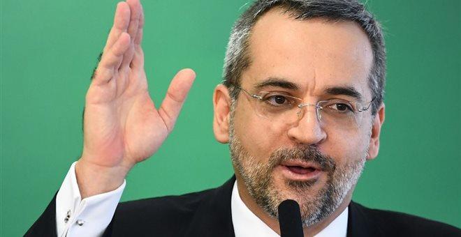 Τα «έχωσε» στον Μακρόν ο Βραζιλιάνος υπουργός Παιδείας