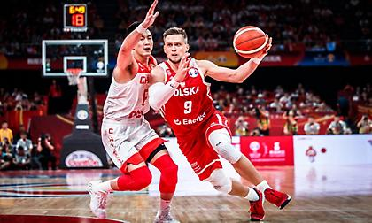 «Έκλεψε» τη νίκη και την πρώτη θέση η Πολωνία!