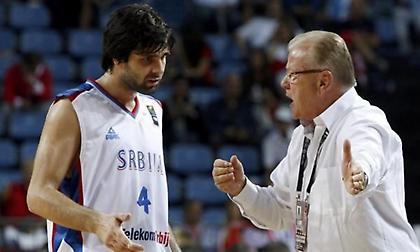 Ίβκοβιτς για Τεόντοσιτς: «Είναι αργός επειδή έχει μεγάλα αρχ…α και δυσκολεύεται να τα μεταφέρει»