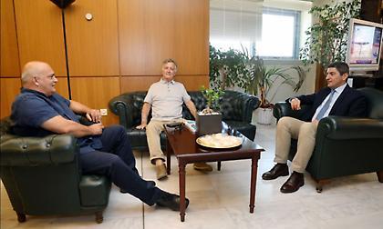 Συναντήθηκε με Κωστούλα και Μποροβήλο ο Αυγενάκης