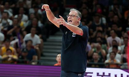 Σκουρτόπουλος: «Σίγουρα υπάρχει η πίεση να κερδίσουμε ένα ματς με 12 πόντους»