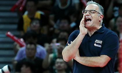 Σκουρτόπουλος: «Δεν μπορώ να καταλάβω γιατί δεν έχει αυτοπεποίθηση η ομάδα»
