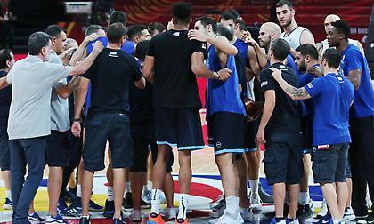 Πλάνα του sport-fm.gr από την προπόνηση της Εθνικής ενόψει του… τελικού (video)