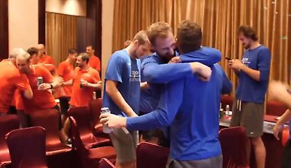 Πανηγύρισαν την πρόκριση στο ξενοδοχείο οι Τσέχοι (video)
