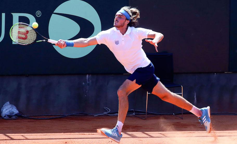 «Καθάρισε» τον Χουρκάτς στο Davis Cup ο Τσιτσιπάς
