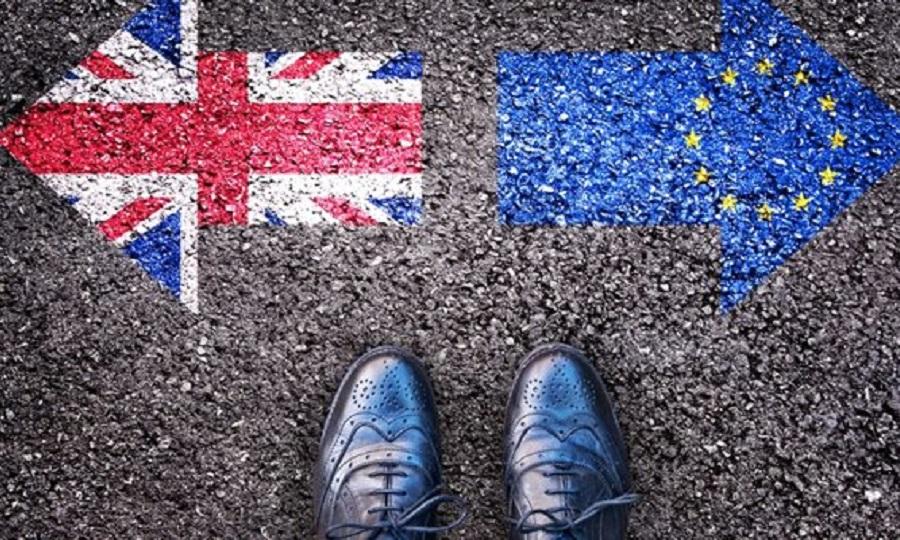 Περίπου 30.000 Έλληνες ζήτησαν άδεια διαμονής στη Βρετανία ενόψει Brexit