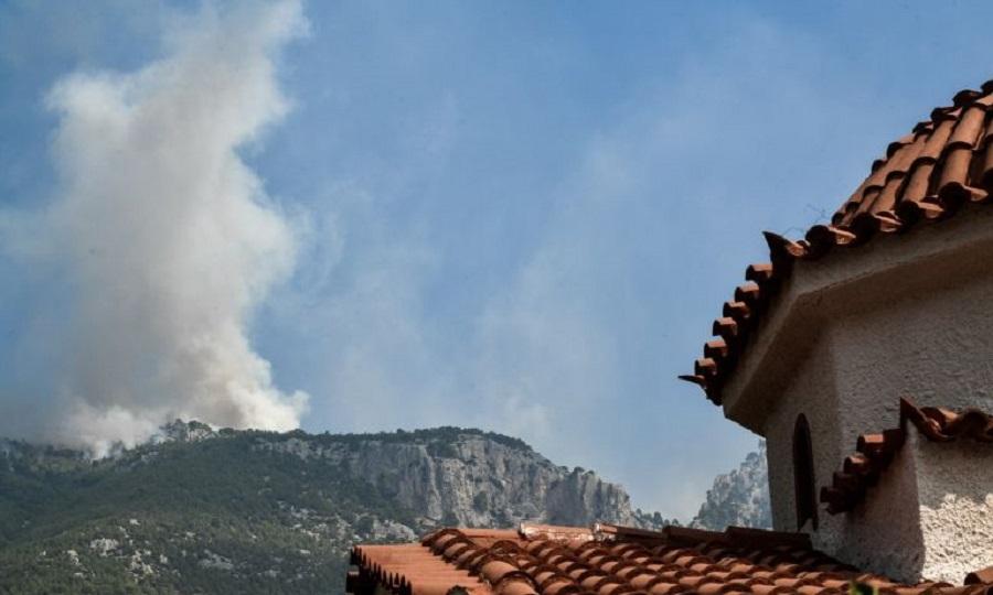 Βίντεο ντοκουμέντο: Έτσι ξεκίνησε η φωτιά στο Λουτράκι