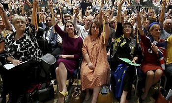 Άμεση ακύρωση του Brexit εάν εκλεγούν υποσχέθηκαν οι Φιλελεύθεροι