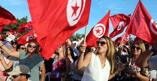 Τυνησία-εκλογές: Δύο «αντισυστημικοί» λένε ότι πέρασαν στον δεύτερο γύρο