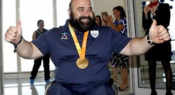 Ο χρυσός Παραολυμπιονίκης, Μάμαλος, πουλάει τα μετάλλιά του για να κάνει εγχείρηση