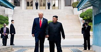 Τραμπ: Δεν είναι η κατάλληλη στιγμή να επισκεφτώ τον Κιμ Γιονγκ Ουν