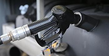 Για πιθανές αυξήσεις στην βενζίνη προειδοποιούν οι πρατηριούχοι