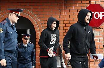Αποφυλακίστηκαν Μαμάεφ και Κοκόριν