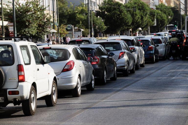 Τέλη κυκλοφορίας: Δείτε πόσα θα πληρώσουν οι οδηγοί εφέτος