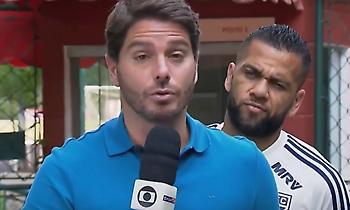 Ο Ντάνι Άλβες τρολάρει ρεπόρτερ (video)