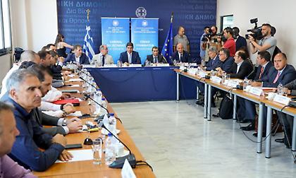 Σύσκεψη για VAR: Η ομολογία Περέιρα για το Καραϊσκάκη, η επίθεση Ολυμπιακού και η θέση της Nova!