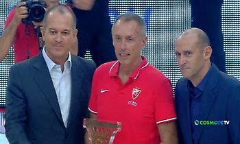 Βραβεύτηκε από τον Ολυμπιακό ο Τόμιτς! (video)
