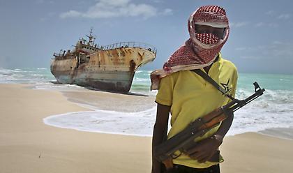 Σομαλοί πειρατές απελευθέρωσαν Ιρανό που κρατούσαν υποσιτισμένο για 4 χρόνια
