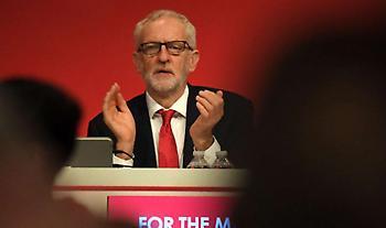 Βρετανία: Την παραίτηση Κόρμπιν ζητεί η πλειοψηφία των Εργατικών